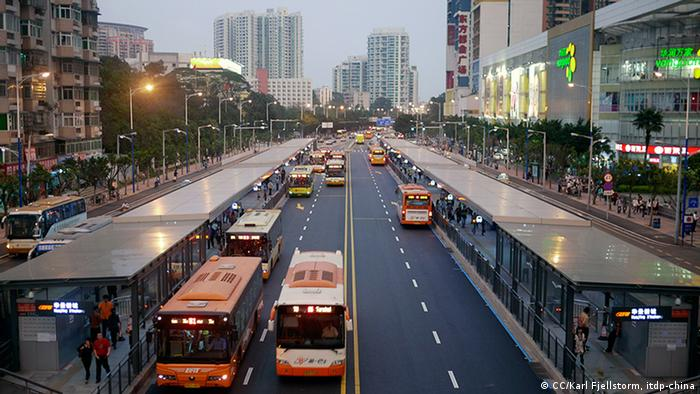 Guangzhou Bus System Haltestellen (CC/Karl Fjellstorm, itdp-china)