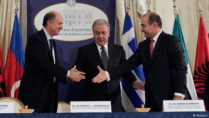 На церемонии подписания межгосударственного соглашения по TAP между Албанией, Италией и Грецией