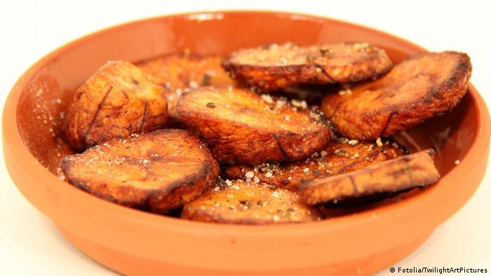 Dossier Afrika kochen Gericht Spezialität Essen Kochbananen Bananen