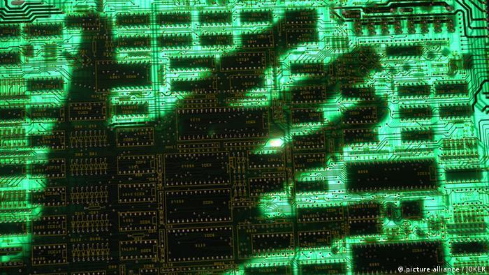 Datenklau Hacker Angriff Computerkriminalität Symbol