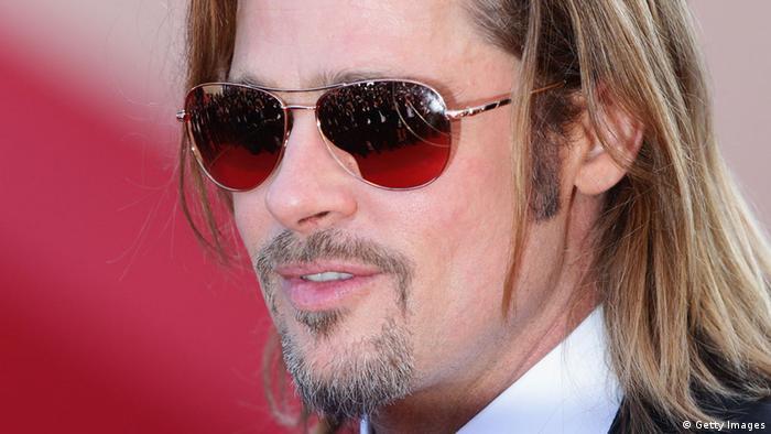 Brad Pitt mit Bart Barttransplantation Vollbart Schnurrbart (Getty Images)