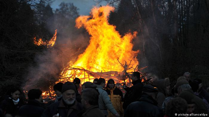 Osterfeuer am Karsamstag