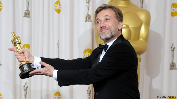 Christoph Waltz receiving an Oscar (Copyright: Getty Images)