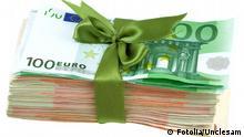 Symbolbild Spende spenden Geld Euro Euroscheine