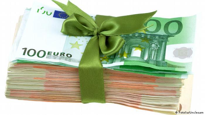 пачка банкнот евро
