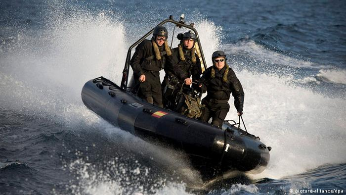 Spanish Marines ride a Super Cat semi-rigid speedboat during a military drill off coast Almeria, southern Spain, on 04 March 2011. They are taking part in the 'Noble Mariner 2011' manoeuvres that the NATO Response Force (NRF) is carrying out in the Alboran Sea in southern Spain. The NRF manoeuvre aims at verifying their level of military preparedness to participate in a possible war or a humanitarian crisis. EPA/Carlos Barba +++(c) dpa - Bildfunk+++ pixel