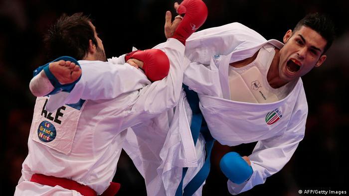 این ورزش رزمی که ریشه در ژاپن دارد به خاطر احترام به میزبان برای نخستین بار المپیکی میشود و در المپیک سال ۲۰۲۴ از برنامه رقابتها حذف خواهد شد. در مجموع ۸ مدال طلا در رقابتهای کاراته مردان و زنان در دو بخش کاتا و کومیته اهدا میشوند. در وزن ۷۵ کیلوگرم، یوناتان هورن از آلمان از شانسهای کسب مدال طلا محسوب میشود.