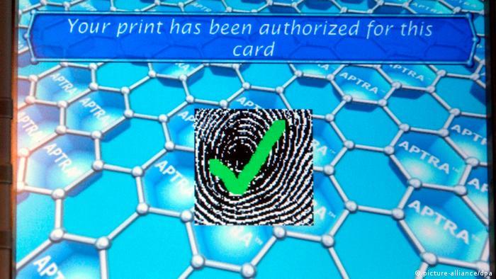Fingerabdrücke bargeldloses Bezahlen