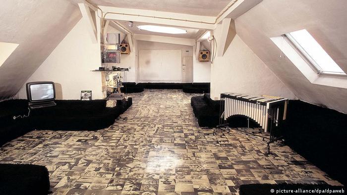 martin kippenberger maler und provokateur alle inhalte dw com. Black Bedroom Furniture Sets. Home Design Ideas