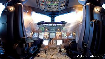 Symbolbild - Cockpit #34070340