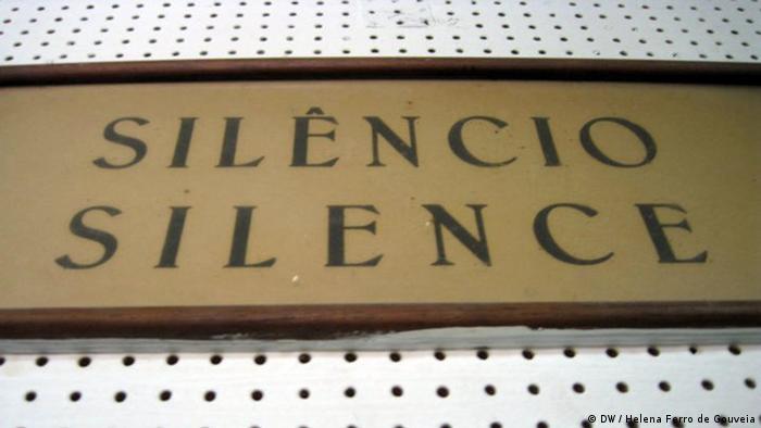 SILENCIO, SILENCE, RADIO