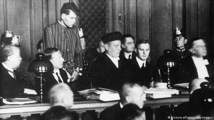 M. van der Lubbe Anklagebank