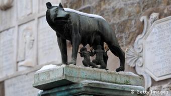 Бронзовая волчица в Риме