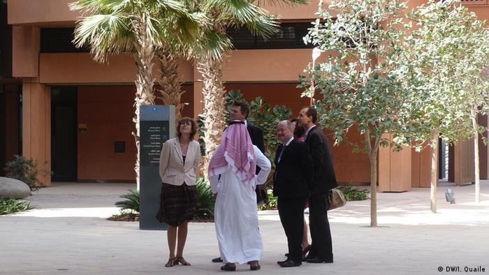 EU-Klimakommissarin Connie Hedegaard bei einem Besuch in Masdar City Januar 2013 (Bild: DW)