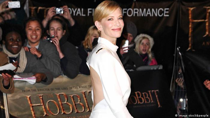 Bildnummer: 58913651 Datum: 12.12.2012 Copyright: imago/Future Image International Europapremiere von The Hobbit: An Unexpected Journey / Der Hobbit - Eine unerwartete Reise im Odeon Leicester Square, London Cate Blanchett PUBLICATIONxINxGERxONLY Entertainment People Film Filmpremiere Freisteller xsp x0x 2012 hoch Highlight premiumd Schauspielerin Galadriel in The Lord of the Rings 1-3 und The Hobbit 1-3 Irina Spalko in Indiana Jones 4 58913651 Date 12 12 2012 Copyright Imago Future Image International European premiere from The Hobbit to UNEXPECTED Journey the Hobbit a unexpected travel in Odeon Leicester Square London Cate Blanchett PUBLICATIONxINxGERxONLY Entertainment Celebrities Film Film premiere cut out xsp x0x 2012 vertical Highlight premiumd Actress Galadriel in The Lord of The rings 1 3 and The Hobbit 1 3 Irina Spalko in Indianapolis Jones 4