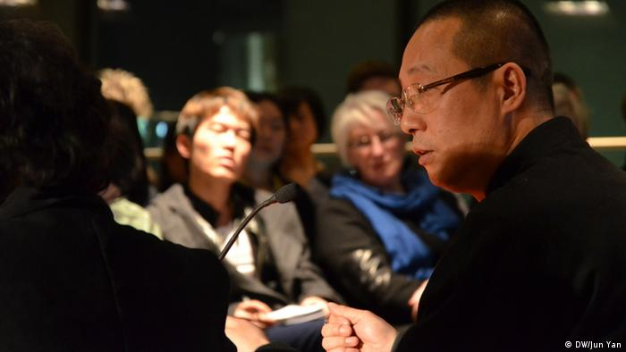Ye Fu at book reading in Cologne