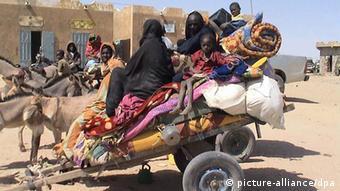 De nombreux Maliens se sont réfugiés à la frontière avec la Mauritanie