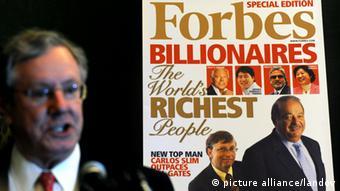 نشریه فوربس سالانه فهرستی از ردهبندی ثروتمندترین افراد را منتشر میکند