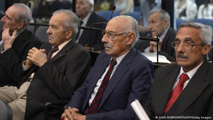 Videla y otros acusados, durante la celebración de otro juicio en su contra el 5 de marzo de 2013.