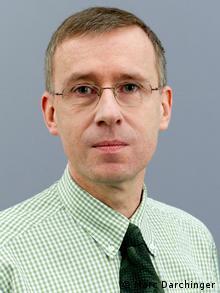 Dr. rer. pol. Hanns Günther Hilpert (Marc Darchinger)