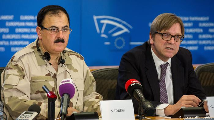 epa03611919 Salim Idriss (L), the chief of staff of the Free Syrian Army, and Guy Verhofstadt (R), Belgian member of the European Parliament (EP) and leader of the Group of the Alliance of Liberals and Democrats for Europe, attend a a joint news conference on Syria, at the EU Parliament in Brussels, Belgium, 06 March 2013. The military leader of Syria's rebels on 06 March stepped up the pressure on the international community to arm his men, saying during his first visit to the European Union that his forces cannot overthrow the Syrian regime without the support. EPA/JULIEN WARNAND