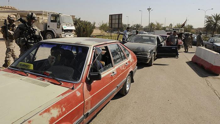 Passat und Soldaten in Bagdad