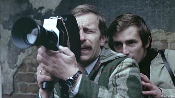Szene aus dem Film Der Filmamateur von Krzyszof Kieslowski (Polen 1979) ### Achtung: Rechte liegen beim Buchverlag Schüren und sind an die Berichterstattung über das Buch Der polnische Film gebunden. ###