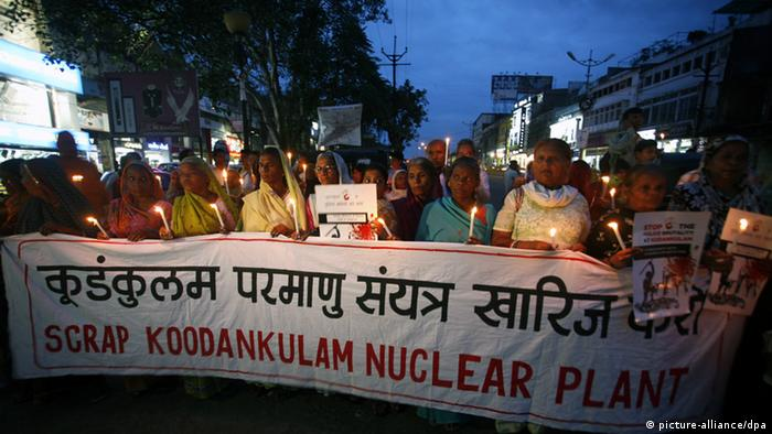 Survivors of Bhopal protest against Kudankulam nuclear plant