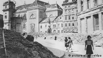 Das zerstörte Wien 1945 (Foto: dpa)