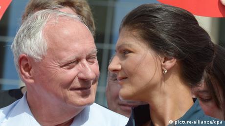 Oskar Lafontaine mit Sahra Wagenknecht (Foto: DPA)