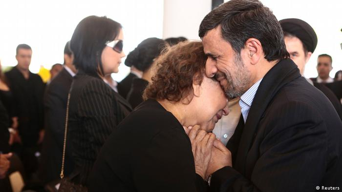 Beerdigung Beisetzung Hugo Chavez Mahmoud Ahmadinejad Iran Präsident Elena Frias Mutter