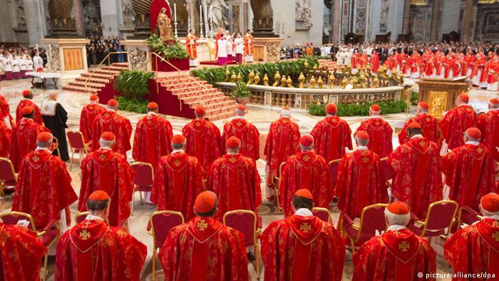 Colégio de Cardeais fica mais internacional sob papa Francisco | Notícias  internacionais e análises | DW | 14.01.2014