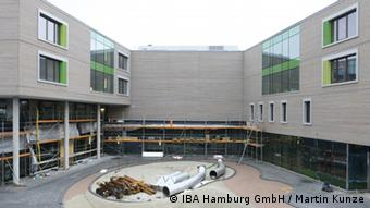 Noch im Bau: Das Bildungszentrum Tor zur Welt (Copyright: IBA Hamburg GmbH/Martin Kunze)