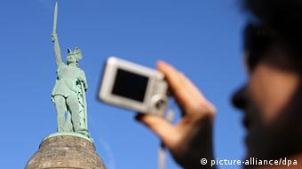 Hermann monument in Teutoburg Forest (picture-alliance/dpa)
