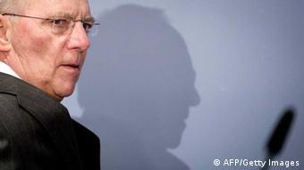 Οι υπουργοί Οικονομικών της ευρωζώνης είναι διατεθειμένοι να εγκρίνουν ένα πακέτο διάσωσης της Κύπρου, διαμηνύει ο Βόλφγκανγκ Σόιμπλε