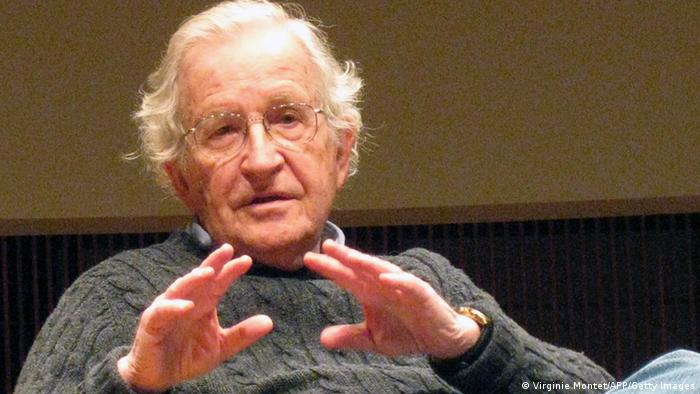 USA Professor für Linguistik Noam Chomsky (Virginie Montet/AFP/Getty Images)