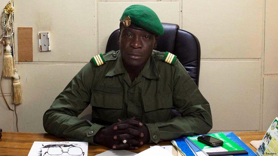 Mali : l'apparition publique d'Amadou Sanogo passe mal