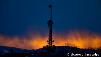 A fracking derrick (Photo: Jim Lo Scalzo/epa/dpa )
