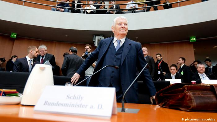 Former German Interior Minister Otto Schily appears at the Bundestag inquiry into NSU killings. Photo: Kay Nietfeld/dpa