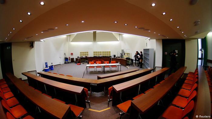 The Munich courtroom (photo: REUTERS/Michael Dalder)