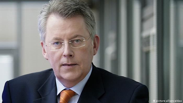 Peter Limbourg, derzeitiger Informationsdirektor von ProSiebenSat.1 TV Deutschland, wird neuer Intendant der Deutschen Welle und Nachfolger von Erik Bettermann, dessen Amtszeit am 30. September endet.