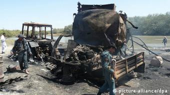 Bombed remains of a truck in Afghanistan, archival photo from the Sept. 2009 bombing in Kunduz Photo: EPA/JAWED KARGAR dpa +++(c) dpa - Bildfunk+++