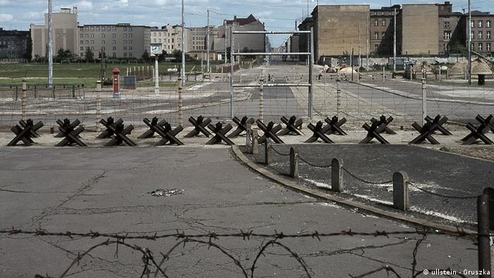 DDR-Grenzanlage in Berlin in den 1960er Jahren (Ullstein - Gruszka)
