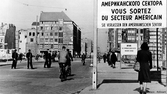 Passagem Checkpoint Charlie em 1956