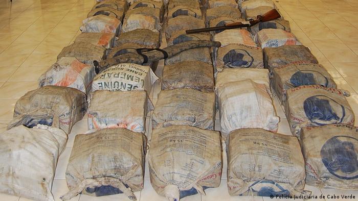 Polícia Judiciária cabo-verdiana fez a maior apreensão de cocaína de sempre em outubro de 2011