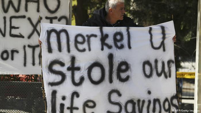 Une manifestation à Chypre contre la taxe sur les comptes bancaires (Photo : Yiannis Kourtoglou/AFP/Getty Images)