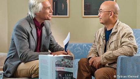 Prominenz: Liao Yiwu im Gespräch mit Matthias von Hein