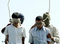 Ejecución de dos jóvenes homosexuales en Irán.