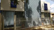 Filiale der Standard Bank in Lichinga, Nord-Mosambik. In den letzten Jahren haben sehr viele Banken in Provinzhauptstädten wie Lichinga Filialen eröffnet. Grund ist das rapide Wirtschaftswachstum in Mosambik. Früher gab es so gut wie keine Bankfilialen außerhalb der Hauptstadt Maputo, Lichinga, Niassa, Mosambik, 15.11.2012 zugeliefert und fotografiert von: Johannes Beck