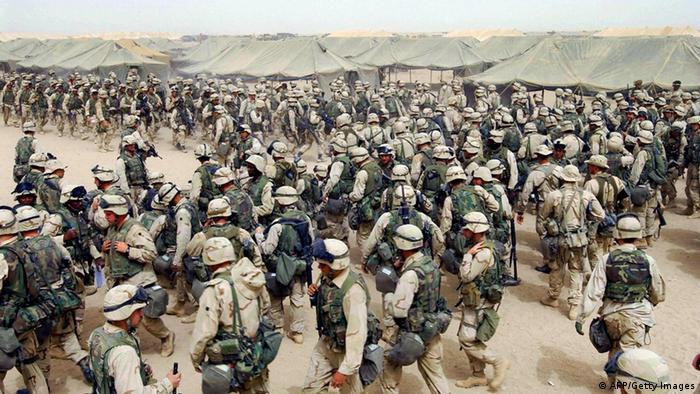 US-Soldaten vor der Invasion im Irak (2003 (AFP/Getty Images)
